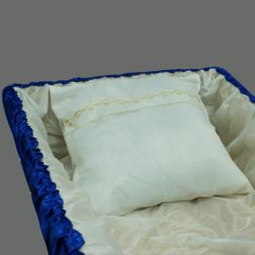 Подушка погребальная из белого шелка